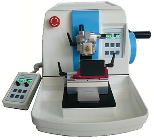 Microtom rotativ complet automatizat cu tastatura